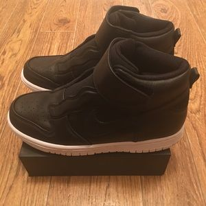 [Nike] Women Dunk Hi Strap Laceless Shoes Sz7 NEW